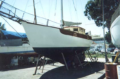 fisher type yacht for sale cape vickers motor sailing yacht.jpg (30528 bytes)